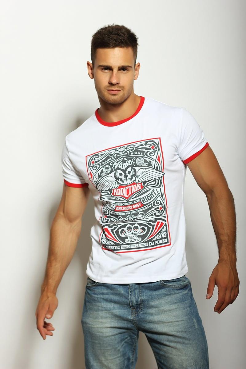бурного фото красивых мужчин в белых футболках гордостью можно