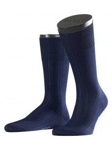 Носки тонкие и прочные с египетского хлопка с элементами ручной работы темно-синего цвета Falke 14649 №10 maco (муж.) Темный-синий